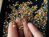 Diamanty - žluto-stříbrné,