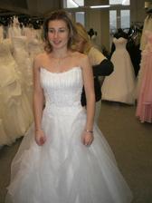 první salon-zkouška svatebních šatů