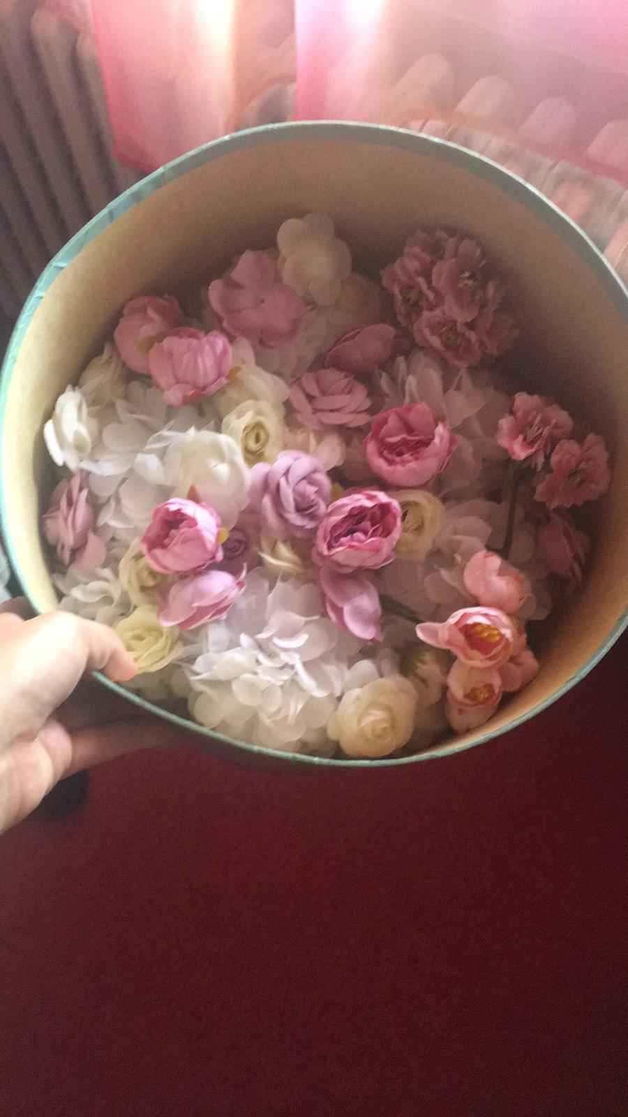 Bride to be :) - Kvetinky z aliexpresu - môže sa niečo tvoriť :)