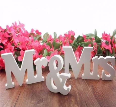 Biely nápis Mr & Mrs - Obrázok č. 1