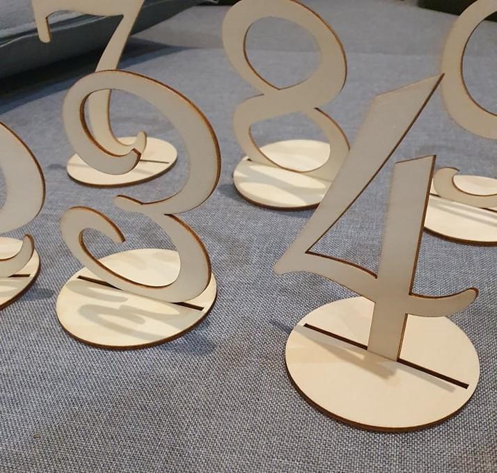 Drevené čísla na svadobné stoly - Obrázok č. 1