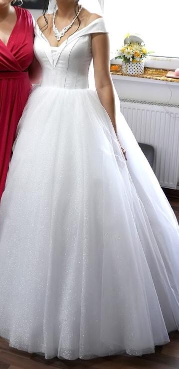 Trblietavé svadobné šaty - Obrázok č. 4