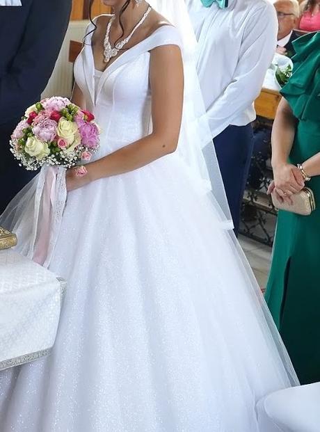 Krásne trblietavé svadobné šaty - Obrázok č. 1
