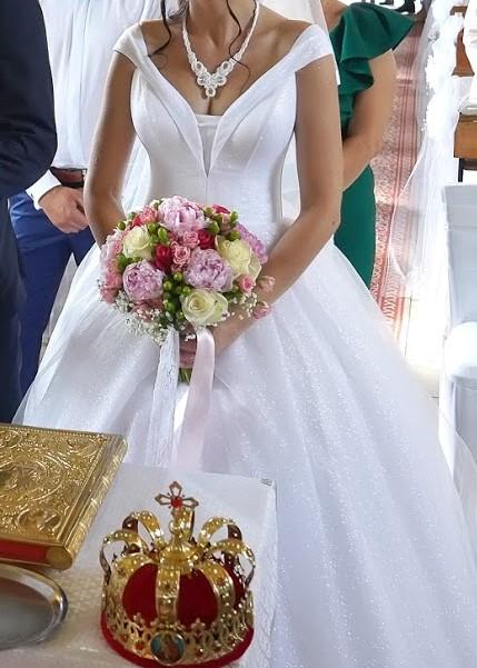 Trblietavé svadobné šaty - Obrázok č. 2