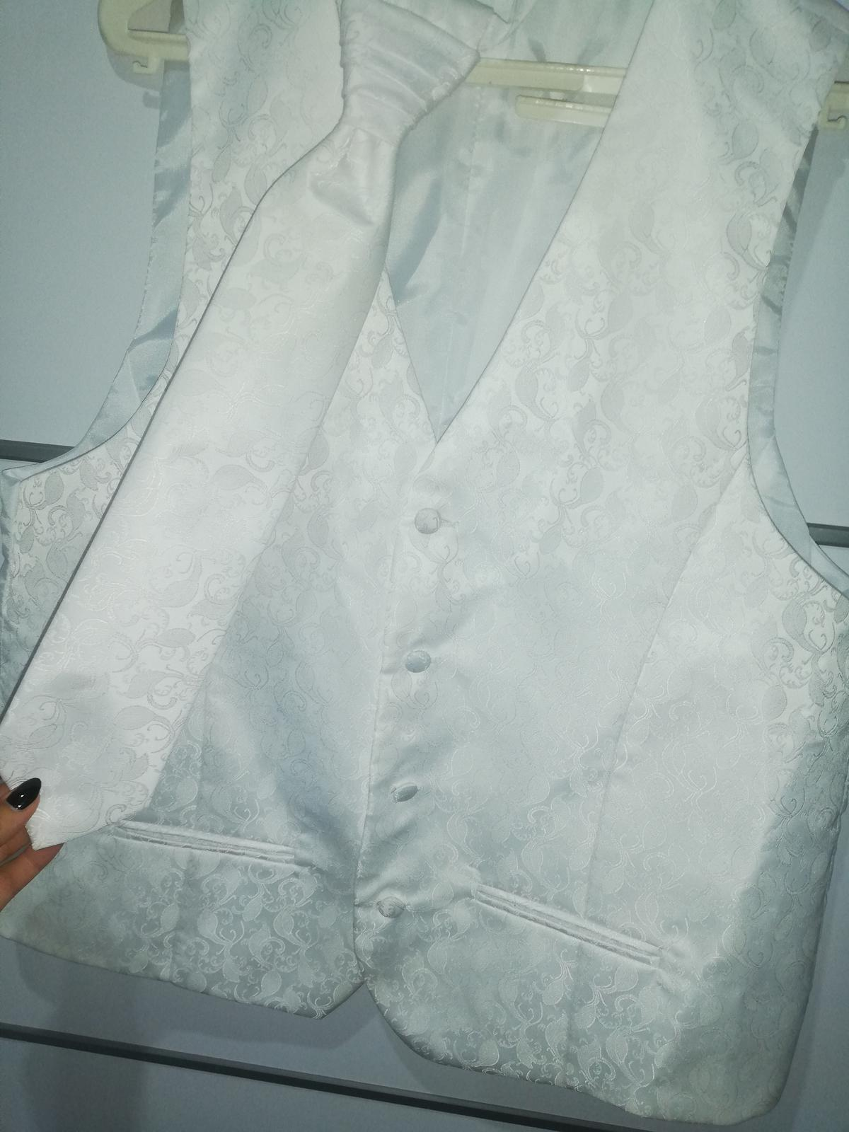 Svadobná vesta s kravatou pre ženícha - Obrázok č. 2
