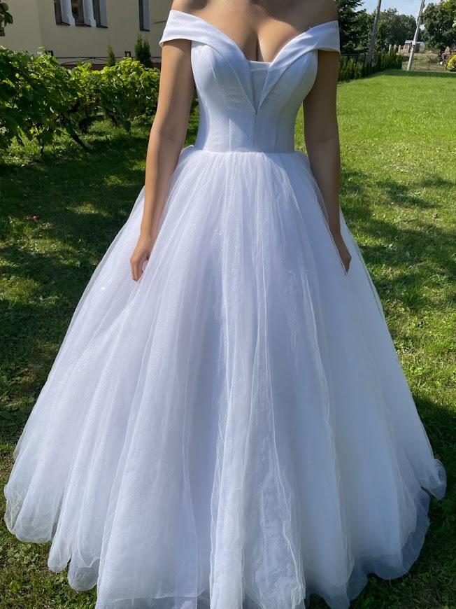Biele trblietavé šaty - Obrázok č. 1