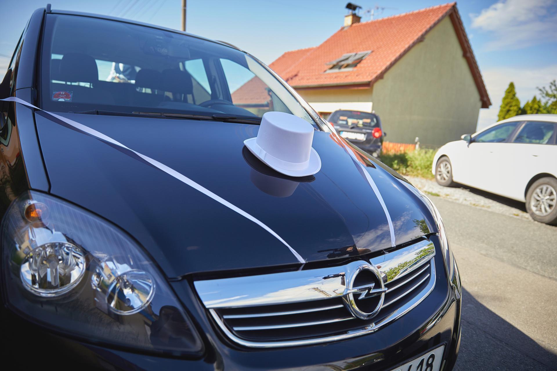 Svatba 6.6.2020 - Ženichovo auto aneb v jednoduchosti je síla.