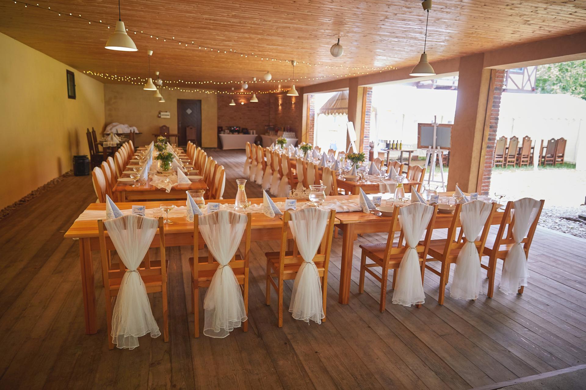 Svatba 6.6.2020 - Místo oslavy: Adamov Švýcárna.