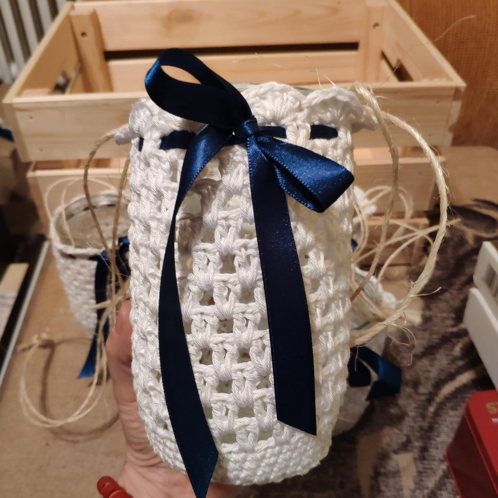 Vázy, obháčkované bílé (7 ks + další) - Obrázek č. 1