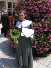 Po promóciách, začiatok plánovania svadby
