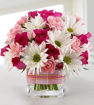 "Den ""D"" 2.10.2010 - ...deko na stoly by som chcela riesit podobne, len jednofarebne pravdepodobne biele kvety, alebo kombinacie s maslovou..."