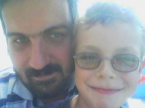 MP se svým synem