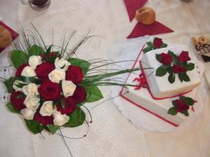 svatební kytice a dort