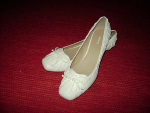 v těchto botičkách vejdu šťastně do manželství....