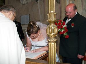 podepisuje se nevěsta