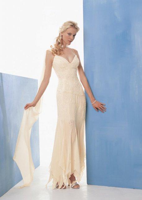Najkrajšie Popolnočné plesové šaty :) + najkrajšie botičky - Obrázok č. 15