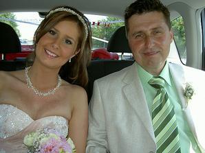 S tatínkem jedeme na obřad :-)