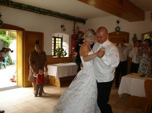 První novomanželský taneček.