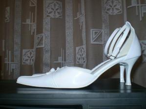 moje svadobne topanocky ... veeeeelmi pohodlne ...
