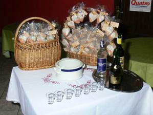 ... a takto sme mali prichystane darceky pre hosti ... dostavali ich po redovom ...