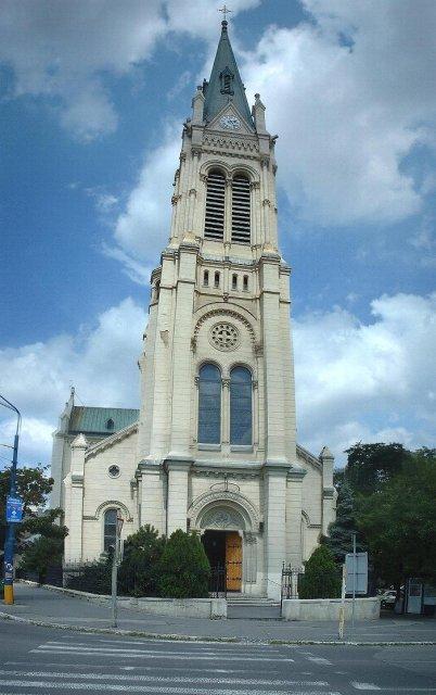 Janka a Karol  30.6.2007 - tu sa bude konať obrad. Kostol Blumentál v BA