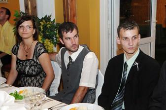 Moja sestrička, jej partner a môj mladší braček