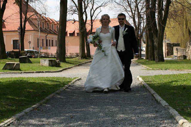 Majka Sabolova{{_AND_}}Peto Kusnir - no a tu uz sme v den svadby