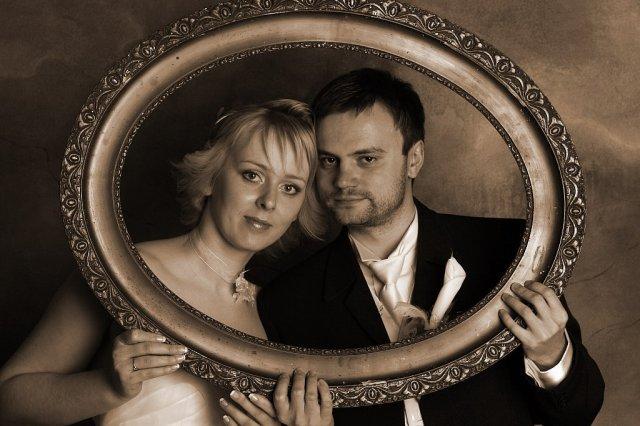 Majka Sabolova{{_AND_}}Peto Kusnir - babka-dedko fotka :) tu si dame do spalne - zeby rovno nad postel? :)