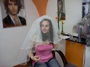 No 25 května druhý pokus - Vlastičce věřím ona to nakonec dokáže ze mě udělat nevěstu :-))
