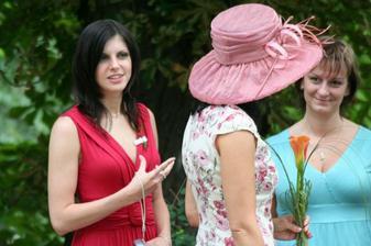 Sestřička s maminkou... a klobouk :-)