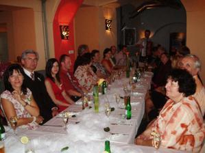 Svatební tabule - Dvířka děkujeme děkujeme, byla nádherná :-) tady už škoda bez krásných talířů  jako při příchodu