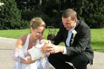 """Tradiční """"bojový"""" úkol svatby - zvládneme ji přebalit?"""