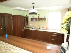 druhý pohľad kuchyne :)