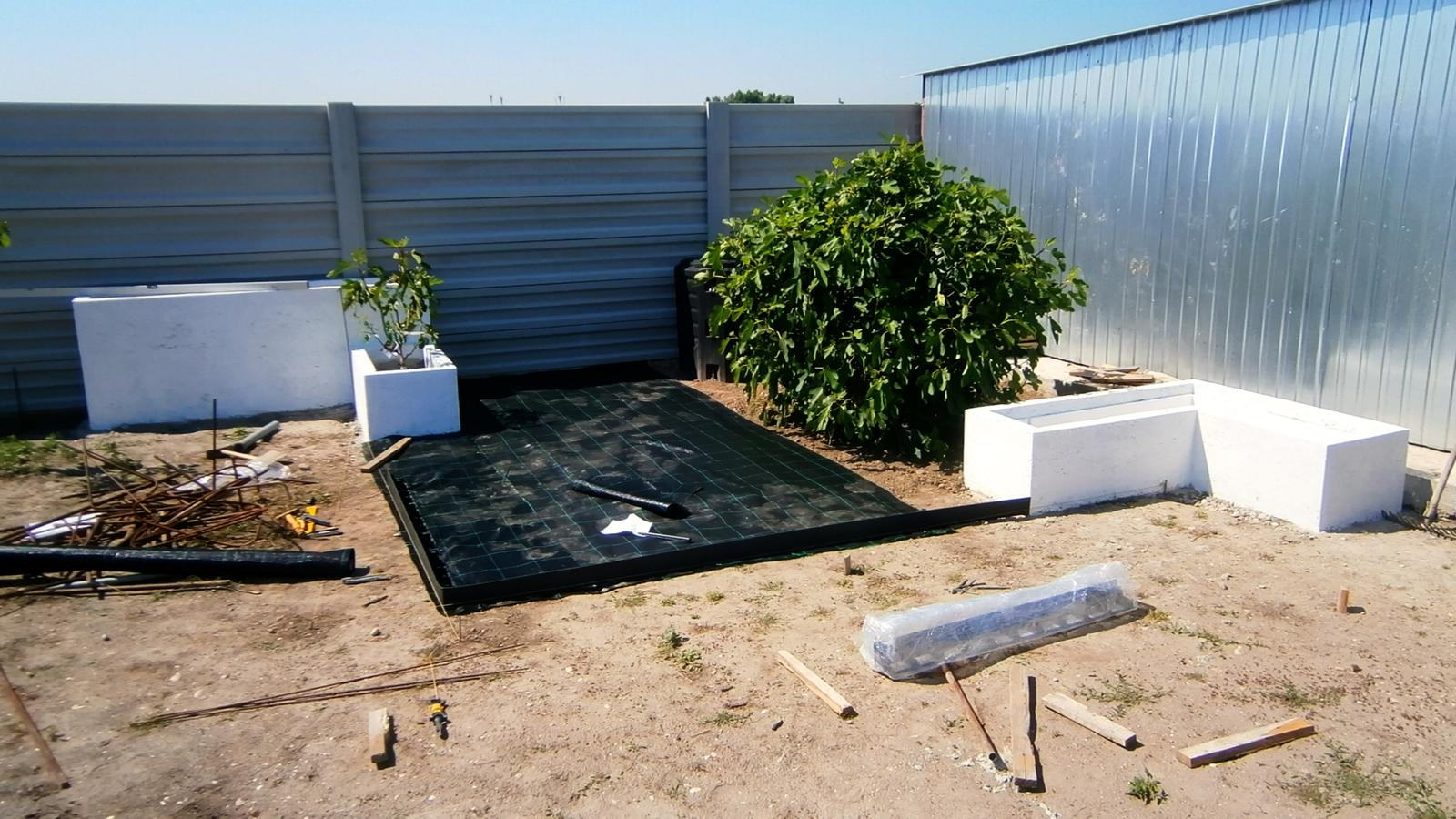 Modern Garden Linear324 - naša prímorská - zahrada v procese