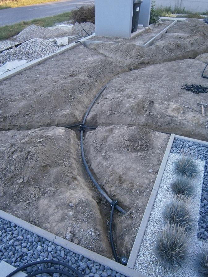 Modern Garden Linear324 - naša prímorská - uz je aj predok domu zavodneny :D
