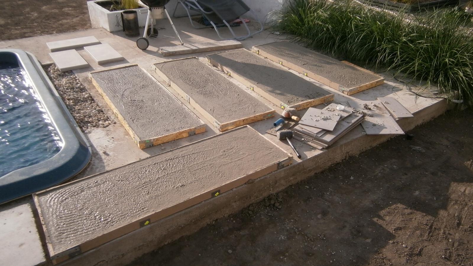 Modern Garden Linear324 - naša prímorská - kedze som nikde nezohnal zahradne slapaky, trebalo ich vyrobit... 60x160