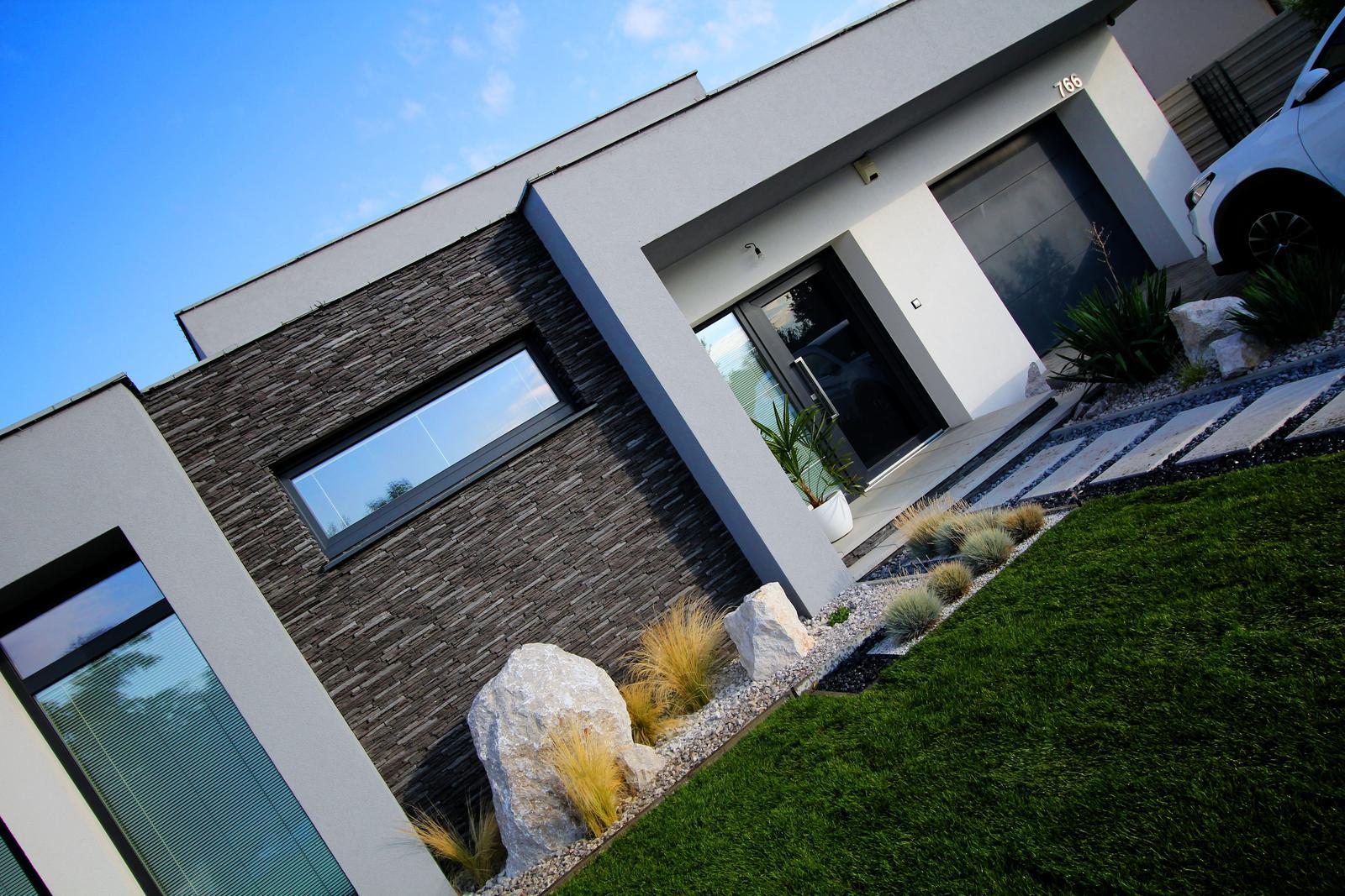 Modern Garden Linear324 - naša prímorská - fotene cca 5:30