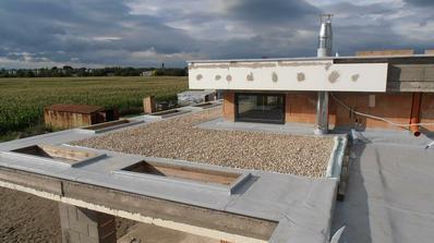 finalna verzia izolacie strechy terasy, uz len lexan polozit na svetliky a ob-izolovat :)