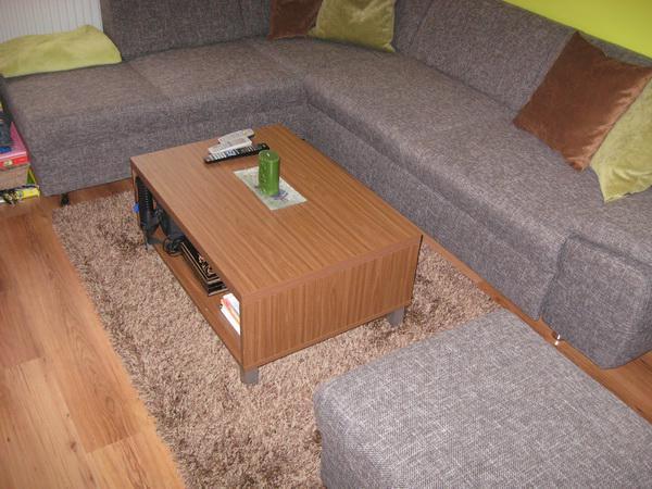 Interier nasho bytu - doplnky, nabytok - Detail noveho koberca, je velmi prijemny a makucky a vysava sa perfektne.