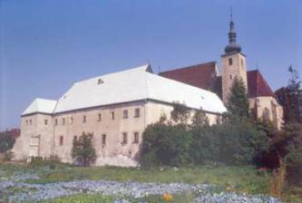 Kostol sv. Petra v Okoličnom ... miesto nášho obradu