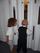 Šmiráci....Tak co už nás pustíte dovnitř????