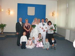 Společná : Rodiče,svědci,děti a novomanželé