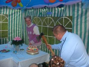 Krajení dortu