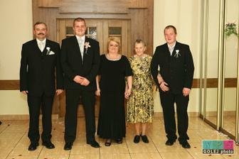 rodičia ženícha, brat a stará mama