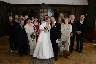 Se svatebčany.