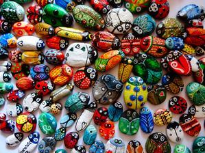 ..kamienky lienky od mamky, rucne malovane :)