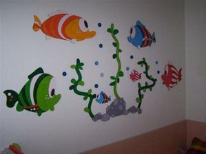 ... rybičky ve skutečnosti už na stěně :-)