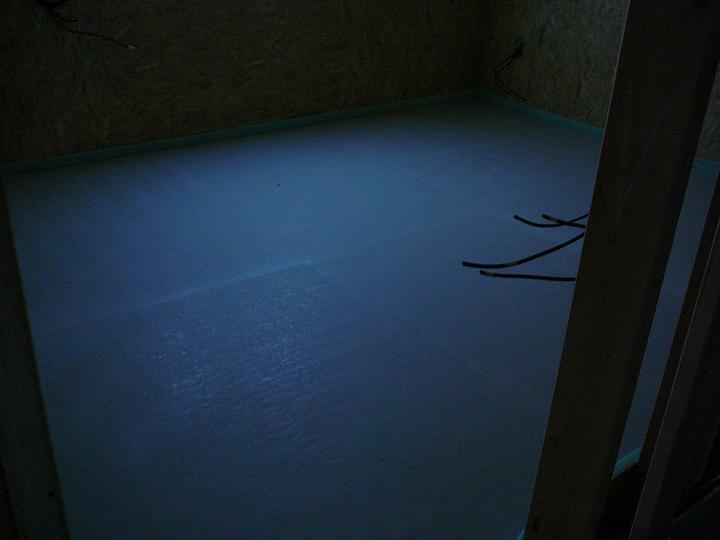 Podlahovka - anhydrid po 48 hodinách