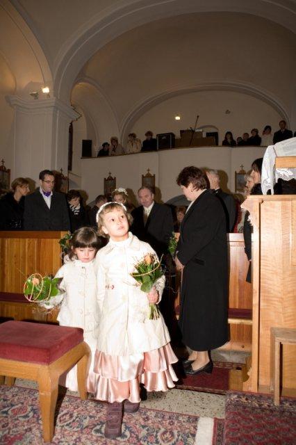 Monika{{_AND_}}Juraj - Družičky v kostole