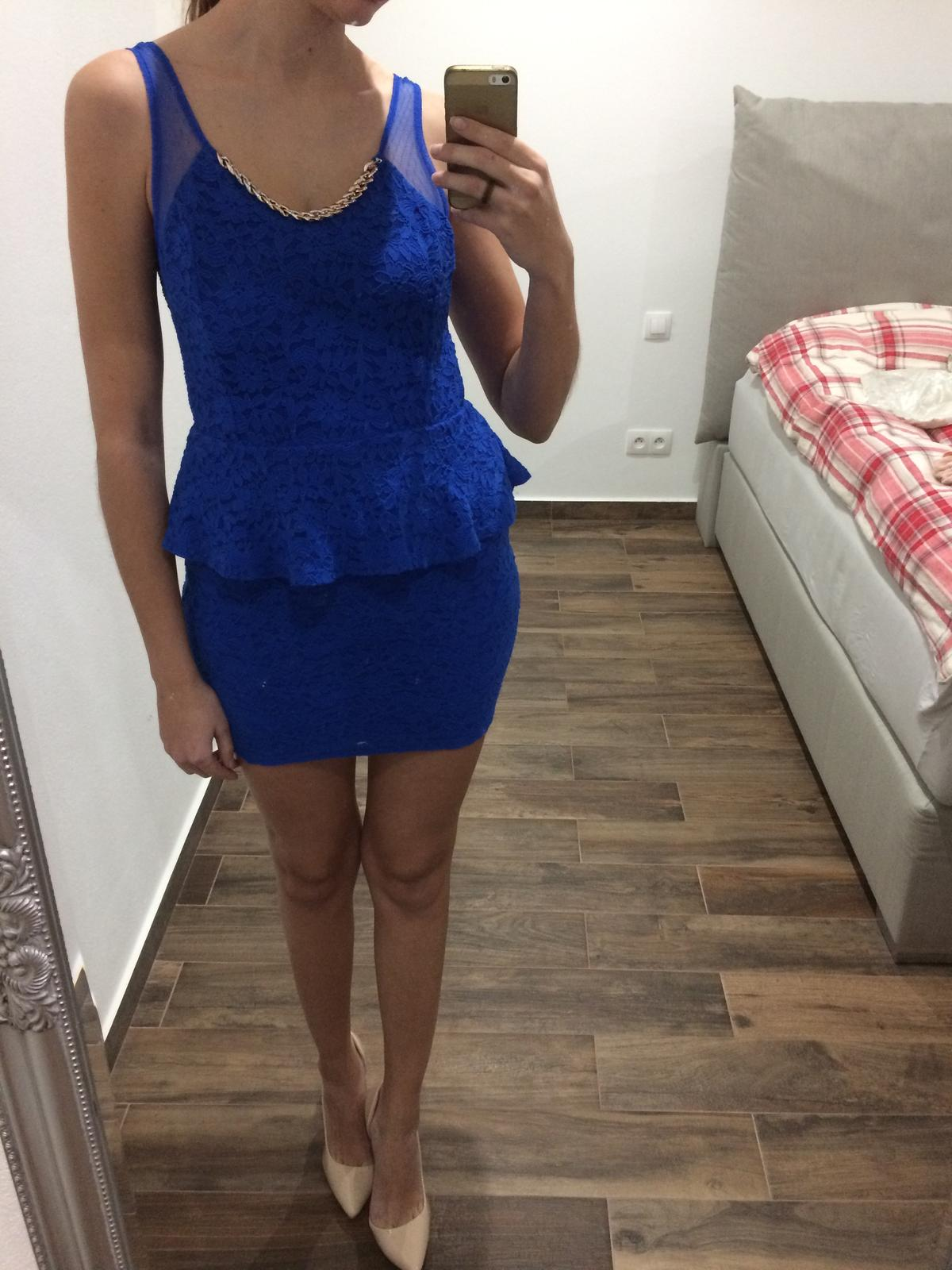 Kráľovsky modré čipkované šaty - Obrázok č. 1
